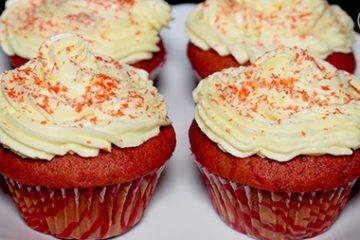 red valvat cupcakes